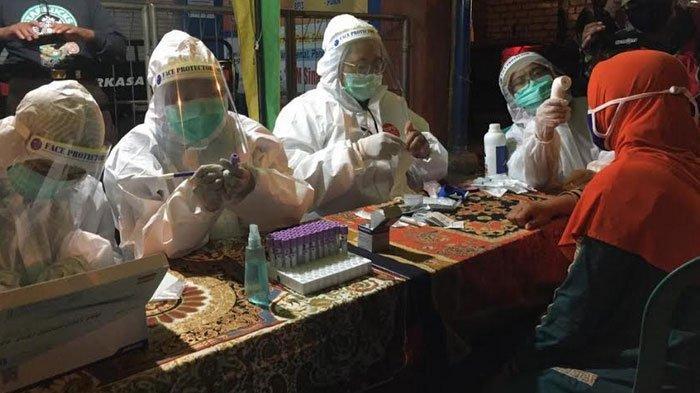 Pasar Bongkaran Tuban Ditutup Dua Hari, 3 Pedagang Positif Covid-19, Petugas Gercep Sterilisasi