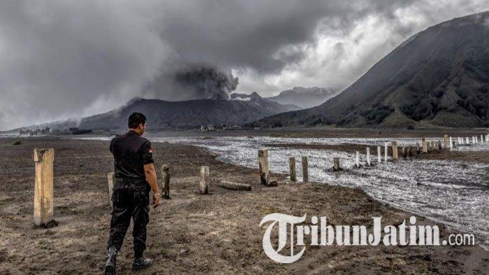 Dinas Kesehatan Jawa Timur Suplai Obat-obatan untuk Warga Terdampak Erupsi Gunung Bromo