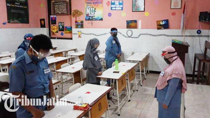 NEWS VIDEO -  SMPN 3 Surabaya Gelar Simulasi Pembelajaran Tatap Muka, Pastikan Siswa Aman Covid-19