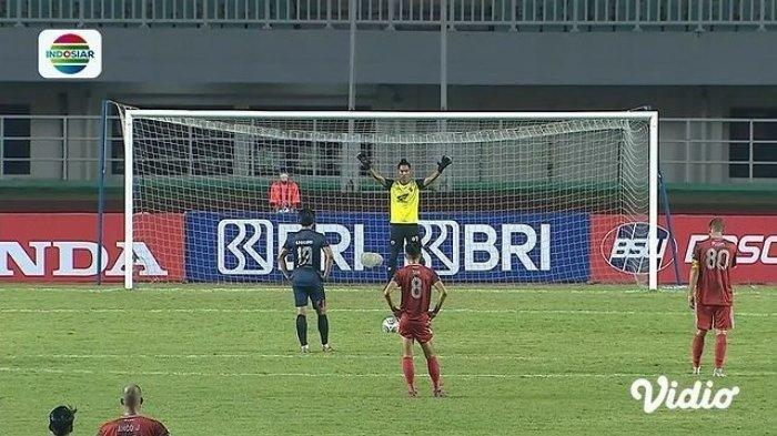 Hasil Babak I PSM Vs Arema FC - Diwarnai Kartu Merah, 10 Pemain Singo Edan Tahan Imbang Juku Eja
