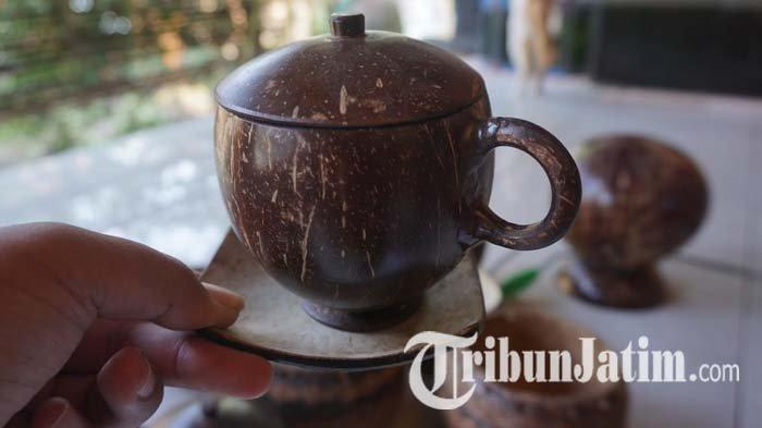 Pemuda Ponorogo Sulap Limbah Batok Kelapa Menjadi Rupiah, Pesanan Hingga Mancanegara
