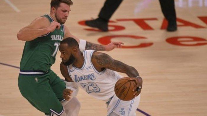 Hasil NBA - Tundukkan Dallas Mavericks, LA Lakers Ukir Kemenangan Perdana