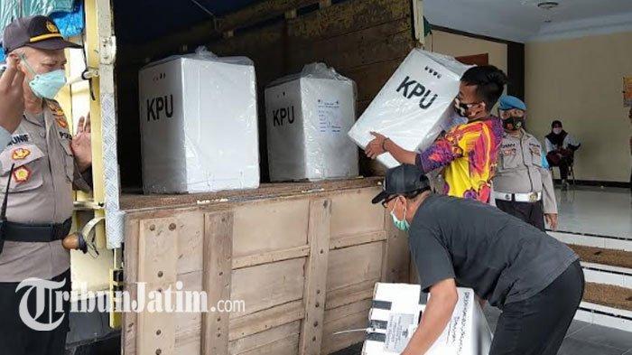 Tunggu Alat Bukti Machfud Arifin-Mujiaman di Sidang MK, KPU Surabaya Tunda Buka Kotak Suara