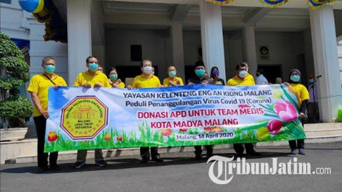 Hawai Waterpark Grup dan Yayasan Klenteng Eng An Kiong Berikan APD Rp 100 Juta kepada Pemkot Malang