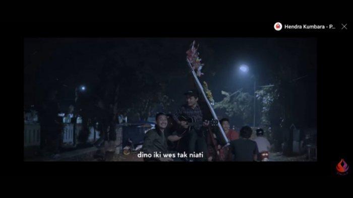 Chord Gitar dan Lirik Lagu 'Kanggo Kowe' Hendra Kumbara: Barakallah Fii Umrik, Buat Kamu yang Cantik