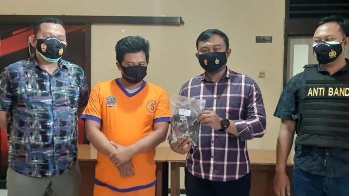 Pengepul Rongsokan di Surabaya Berani Rampas Ponsel Bocah Pakai Modus Lama