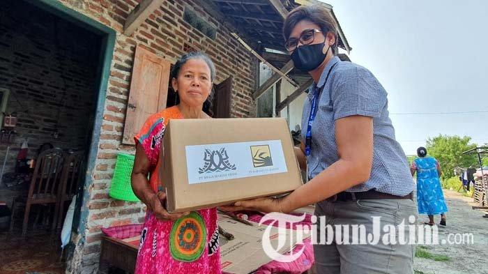 Jelang Lebaran 2021, Dua Perusahaan di Pasuruan Bagikan Ratusan Paket Sembako untuk Masyarakat