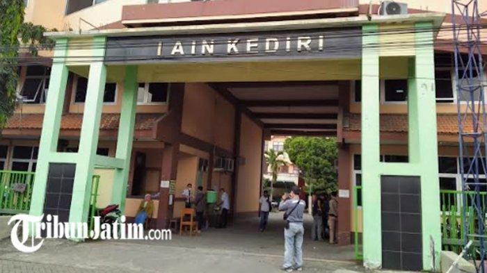 BREAKING NEWS - Demo Mahasiswa IAIN Kediri, Tuntut Dosen Pelaku Pelecehan Mahasiswi Skripsi Diadili