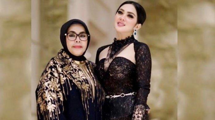 Ajak Jalan Cucu Naik MRT, Ibu Syahrini Habis Puluhan Juta untuk Outfit, Apa Barang Termahalnya?