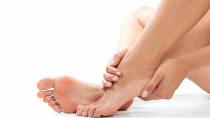Ilustrasi bau kaki - Secara medis, baukaki dikenal dengan istilah bromodosis.