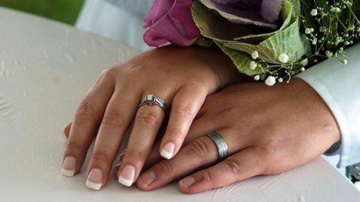 ILUSTRASI Berita ABG 13 tahun dipaksa bu guru menikahinya demi ritual.
