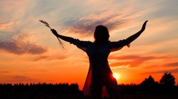 Berikut Kepribadian Wanita Berdasarkan Hari Lahir, Perempuan Lahir Minggu Dikenal Bijaksana