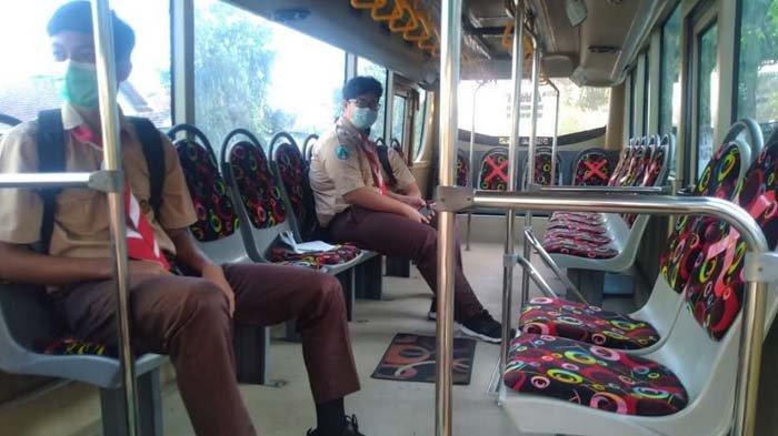 Bus Sekolah Tulungagung Kembali Beroperasi, Masih Sedikit Siswa yang Menggunakannya