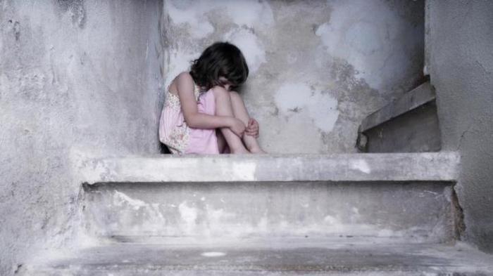 Gadis Kecil Tiba-tiba Nangis Peluk Ibu, Sadar Tidur Tanpa Celana bareng Ayah, Ibu Hancur Tahu Fakta
