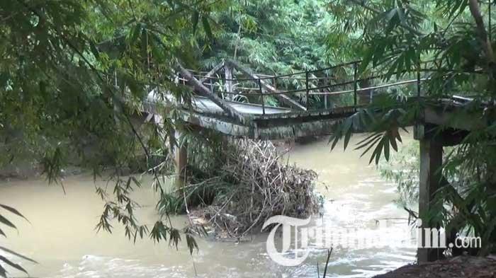 Saksikan Detik-detik Jembatan Rusak di Trenggalek, Kateni: Ada Suara Klatak-klatak, Langsung Lari