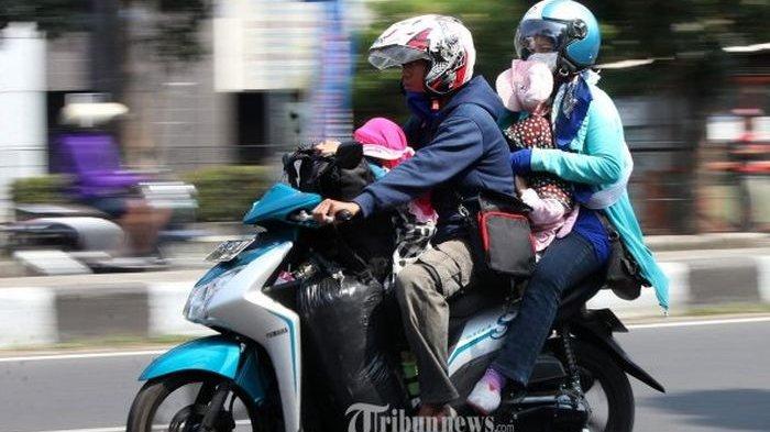 Cegah Pemudik Masuk Lamongan, Jalan Tikus Dijaga Ketat Petugas Gabungan, 'Wajib Putar Balik'
