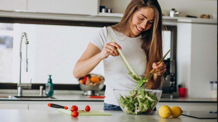 Minuman dan Makanan Diuretik Efektif Mengecilkan Perut, Selada dan Salad Bawang Direkomendasikan