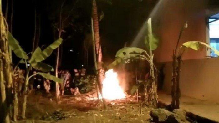 Ilustrasi orang bakar diri di Blitar