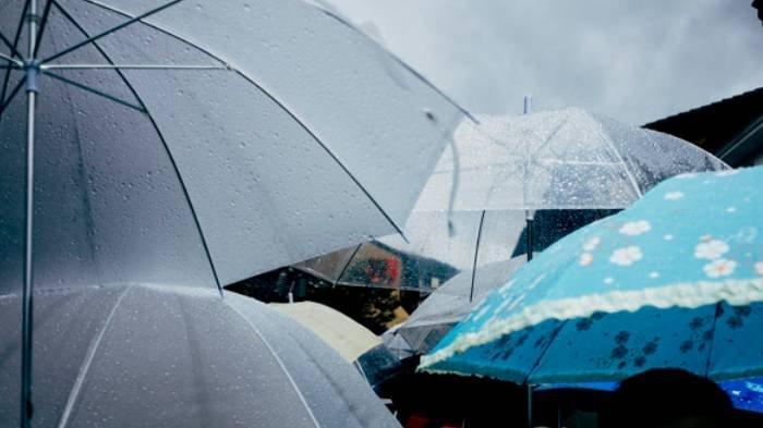 Masuk Peralihan Musim Kemarau, di Jatim Masih Diguyur Hujan, Begini Prakiraan BMKG Juanda