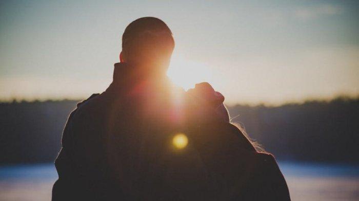 Ilustrasi pasangan kekasih yang disatukan karena takdir dari Tuhan