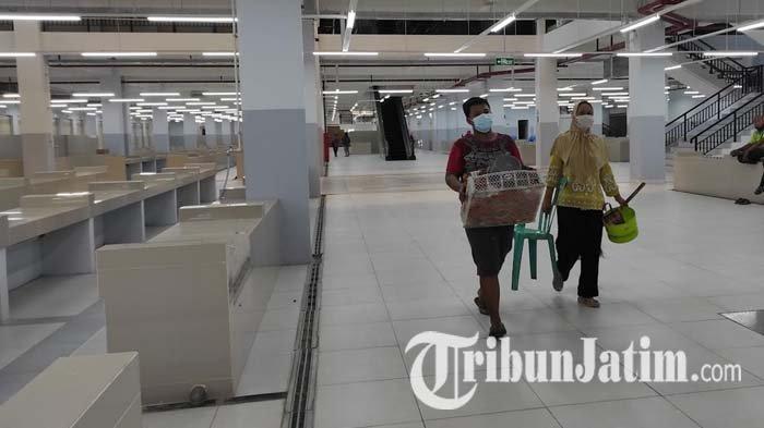 Setelah Beberapa Kali Tertunda, Pedagang Pasar Legi Ponorogo Akhirnya Mulai 'Boyongan'