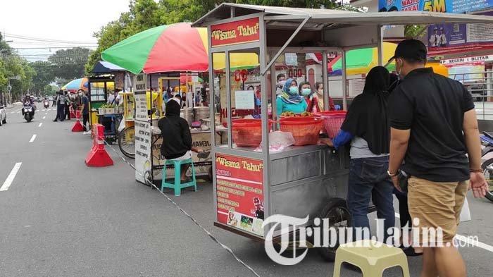 Petugas Fokus Operasi Ketupat, Pelaksanaan Pasar Takjil di Kota Blitar Diperpendek Hanya 2 Pekan