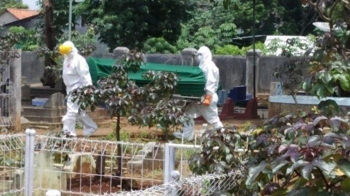 Viral Foto Jenazah PDP Covid-19 Hanya Pakai Popok, MUI Jatim Ingatkan Jangan Asal: Wajib Dikafani
