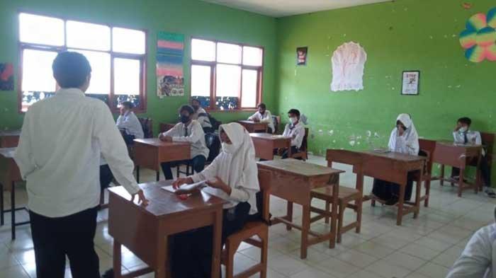 Probolinggo Masuk PPKM Level 3, PTM Terbatas di Madrasah Tetap Digelar, Prokes Diterapkan Ketat
