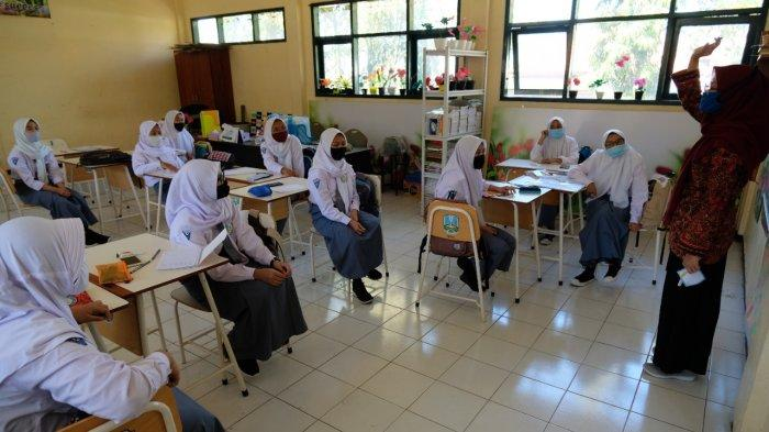 Pelaksanaan Pembelajaran Tatap Muka di Kota Probolinggo Ditunda Seiring Penerapan PPKM Darurat
