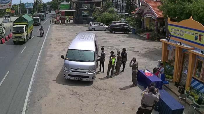 Travel Gelap Terjaring Penyekatan di Perbatasan Jatim-Jateng di Tuban, Begini Nasib Para Penumpang
