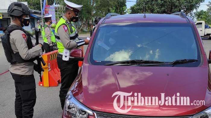 PPKM Darurat di Kota Blitar, Gelar Razia Penyekatan di Srengat, Polisi Putar Balik 21 Mobil