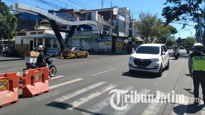 Banyak Penyekatan Jalan, Ritme Lalu Lintas di Kabupaten Malang Turun hingga 40 Persen