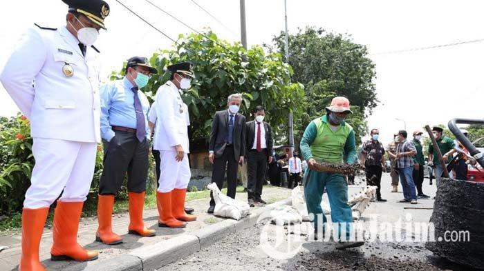Wabup Subandi Warning Camat Segera Perbaiki Jalan Rusak di Sidoarjo: Kita Evaluasi Nanti