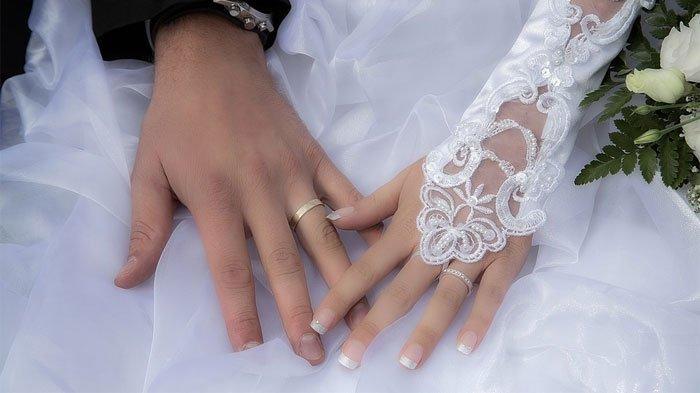 Ilustrasi cara menjawab kapan nikah saat momen berkumpul bersama keluarga di Hari Raya Idul Fitri.