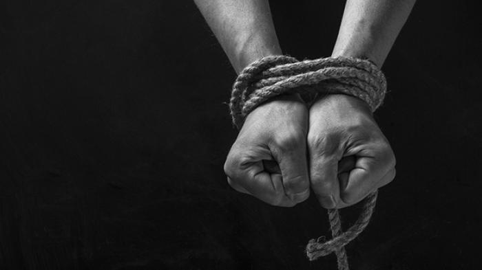 Ilustrasi pria disekap dan diperkosa 3 hari 3 malam oleh janda biduan