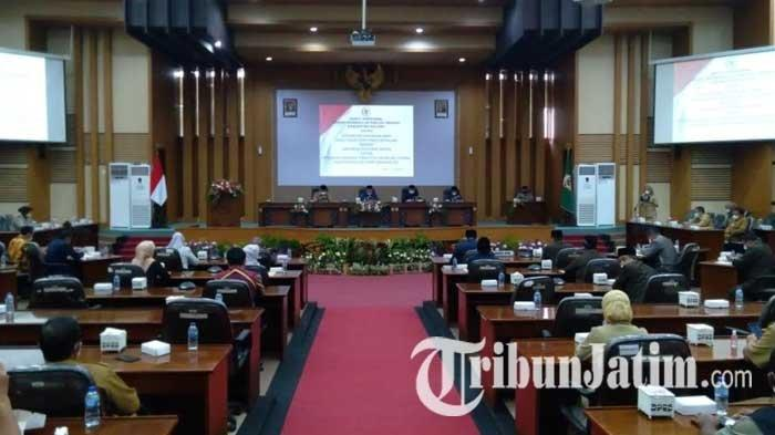 Paripurna Pandangan Umum Fraksi-fraksi, DPRD Kabupaten Malang Fokus Pulihkan Kesejahteraan Rakyat