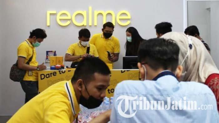 Pertajam Taring Bisnis di Surabaya, realme Buka Dua Official Store Baru Sekaligus