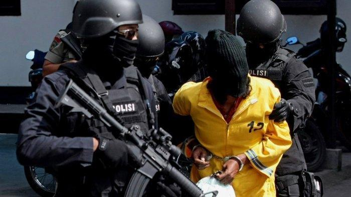 2 Orang Terduga Teroris di Lamongan Diamankan Densus 88, Berstatus Dokter dan Pengasuh Ponpes