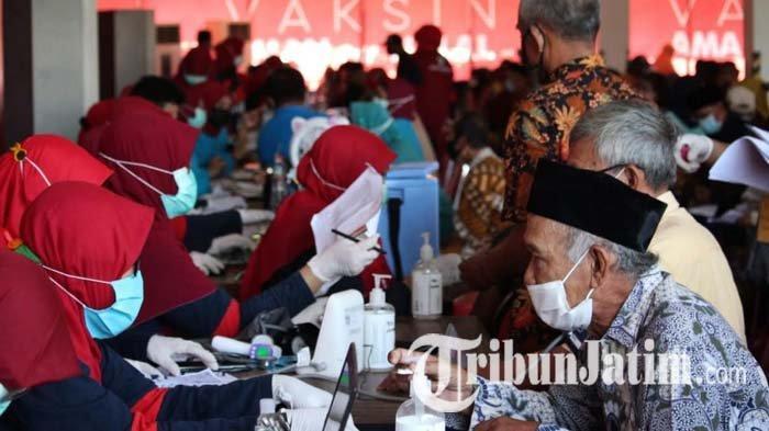 Vaksinasi Covid-19 yang Digelar Dinkes Jatim Bawa Optimisme Tinggi Lansia untuk Beraktivitas