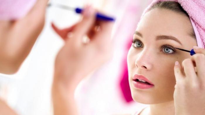 TIPS CANTIK HARI INI - Menghilangkan Makeup di Wajah Tanpa Bahan Kimia, Lebih Murah dan Aman, Lho