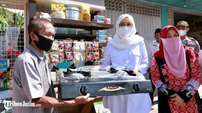 Warung Hancur Kena Reruntuhan Gempa, Ismail di Banyuwangi Dapat Bantuan 'Wenak': Saya Bersyukur