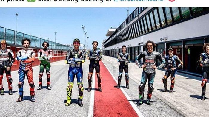 Cara Valentino Rossi Gembleng Anak Didiknya: Berlatih di Track Motocross, Sore hingga Malam Hari