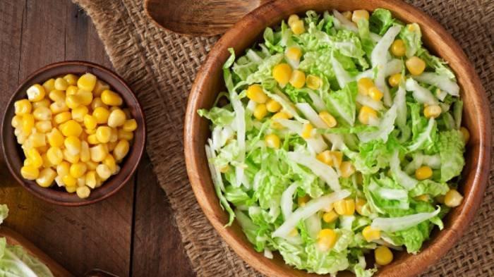 Jenis Buah dan Sayur yang Perlu Dikurangi Konsumsinya saat Diet, dari Jagung Manis hingga Alpukat