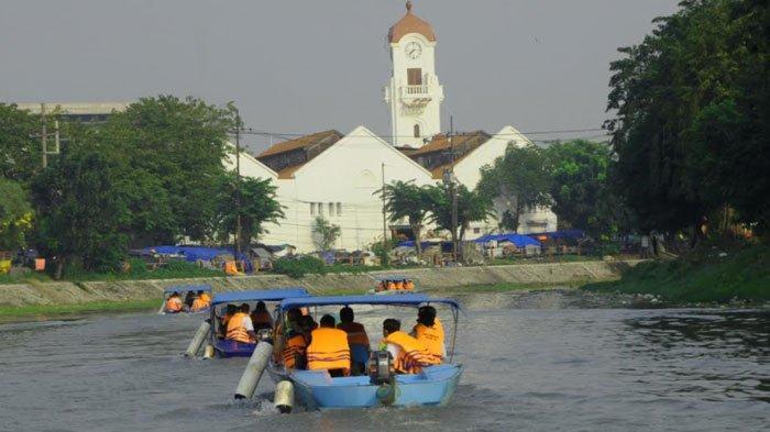 Gandeng Pelindo III, Wali Kota Eri Hubungkan Susur Air Kalimas - Wisata Cruise
