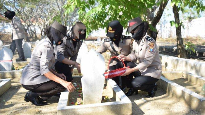 Jelang Peringatan Hari Jadi Polwan ke-73, Polwan Polres Pamekasan Ziarah Tabur Bunga di TMP