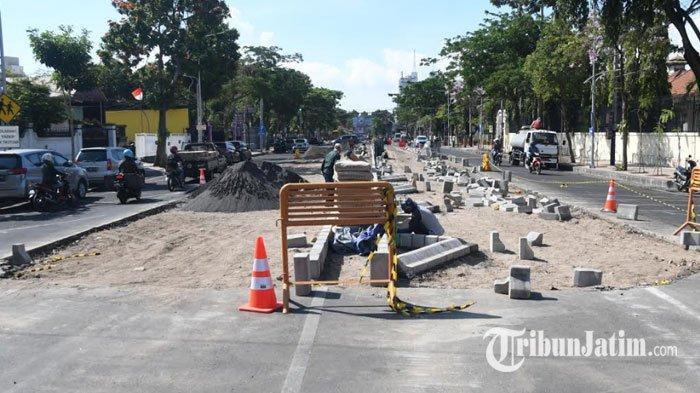 Lahan Parkir Jalan Wijaya Kusuma Surabaya Mulai Dipindah, Permudah AksesPejalan Kaki di Trotoar