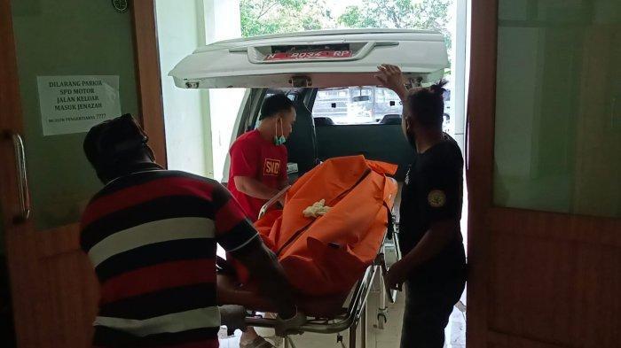 Jasad Pria yang Ditemukan Mengapung di Pantai Kota Probolinggo Diambil Keluarga