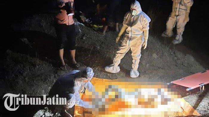 BREAKING NEWS - Mayat Remaja Mengapung di Kubangan Air Bukit Jamur Gresik, Tangan dan Kaki Terikat