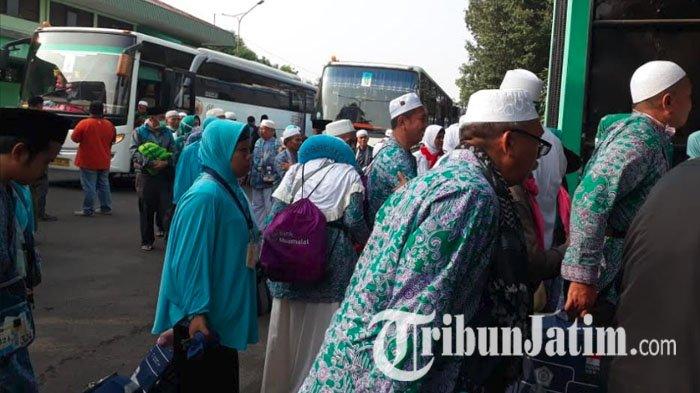 Tiga Kloter Jemaah Haji Asal Banyuwangi Tiba di Surabaya