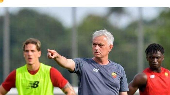 TERPOPULER BOLA: Jose Mourinho Coret 8 Pemain AS Roma hingga Engkel Lionel Messi Sempat Berdarah
